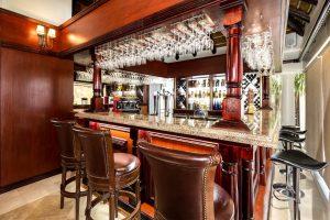 Bar Shelley Point